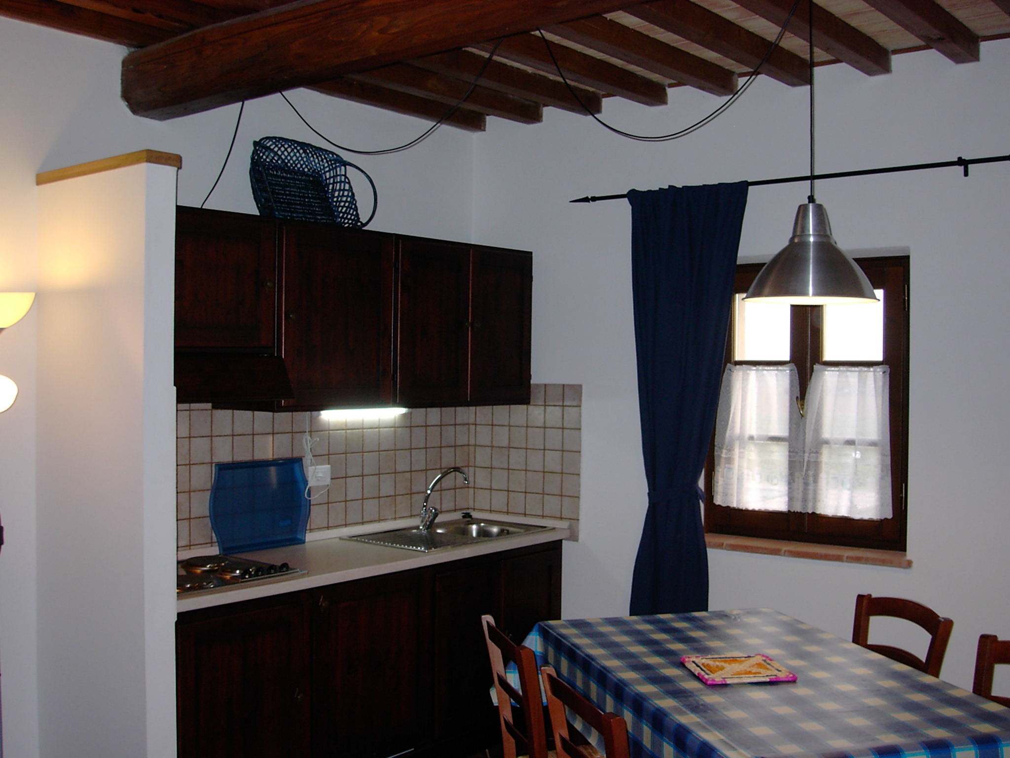 Three roomed apartment  per 4/5 people